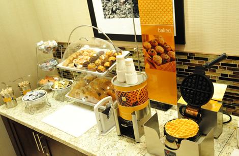 Hampton-Dining-Breakfast